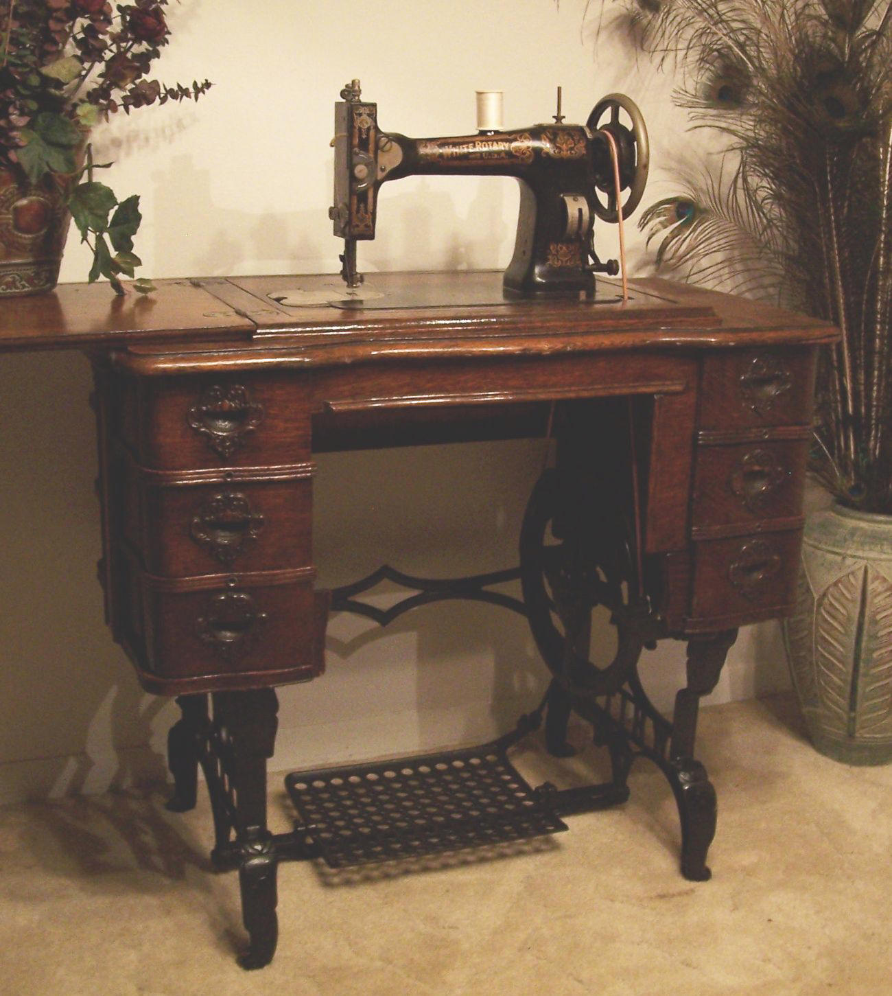 Treadle Sewing Machine Cabinet 96 Best Images About Repurposed Vintage Treadle Sewing Machine On